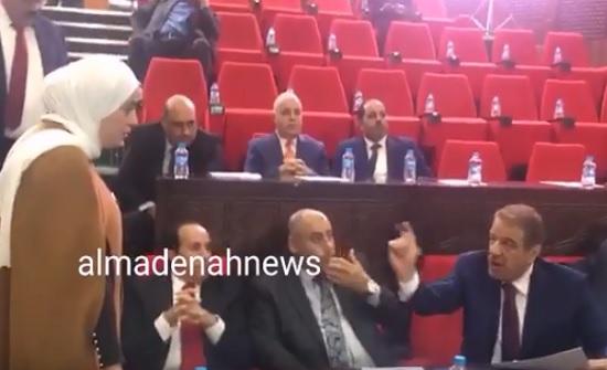 فيديو : هل يجوز للنواب محاكمة الوزراء .. نقاش بين الدغمي وبني مصطفى
