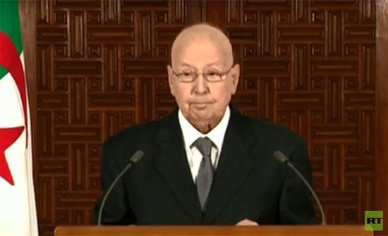 بالفيديو ..الرئيس الجزائري المؤقت: الدولة مصممة على المضي في تطهير الفساد