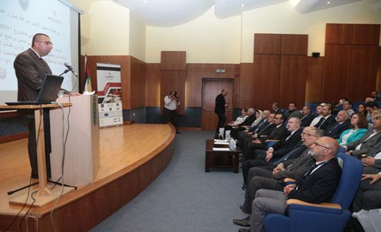 """""""الأردنية"""": خبراء يطورون تطبيقات للهواتف الذكية واللوحية لتحسين جودة التعليم في الأردن"""