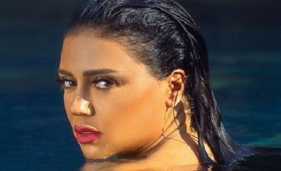 ابنة رانيا يوسف تُشاهد الفيديو الإباحي المنسوب لها مع خالد يوسف.. والفنانة مُتوترة