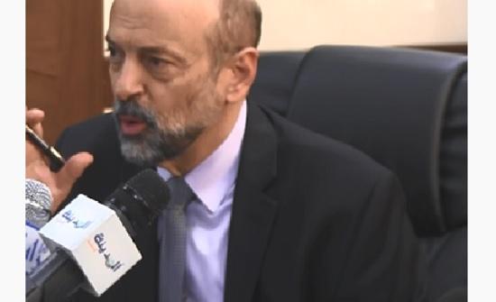 """بالفيديو  : الرزاز يشيد بتحسن اداء العمل في """"اراضي غرب عمان """""""