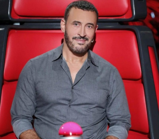 فنانة لبنانية وحيدة يتابعها كاظم الساهر.. خمنوا من هي!!
