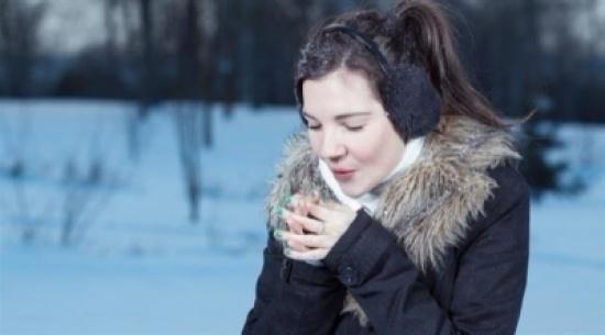 ما سبب بحة الصوت في الشتاء؟