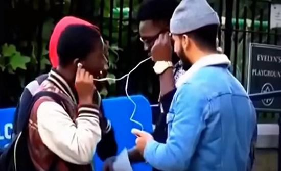 فيديو : ماذا يحدث عندما يسمع غير المسلم القرآن