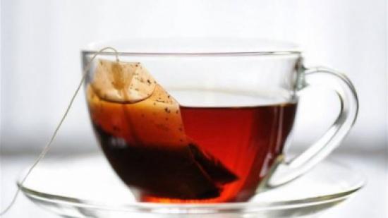 لهذا السبب لا يجب ترك أكياس الشاي في الفنجان أثناء شربه!