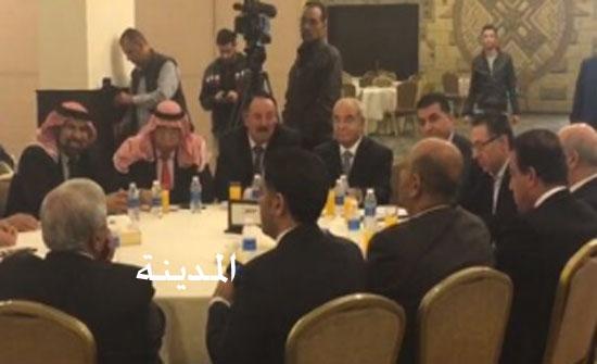 بالصور: الحكومة برئاسة العبادي تجتمع بالمزارعين في المدينة الرياضية