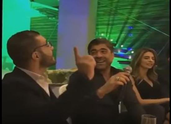 بالفيديو: هكذا يغني وائل كفوري في منزله لأصدقائه