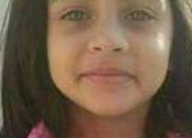 مغتصب الطفلة زينب يمشي في جنازتها... والشرطة تتّهمه بـ15 جريمة (فيديو)