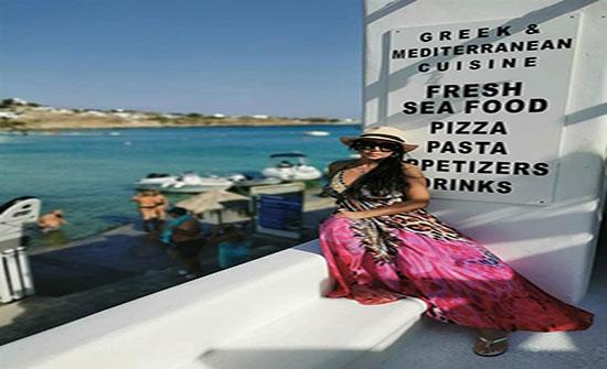 بالصور : رانيا يوسف تثير الجدل مجددًا بصور مثيرة على البحر