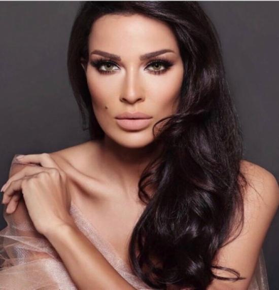 بالفيديو - نادين نسيب نجيم تبهر العالم بمهارتها بالرقص... شاهدوا ليونتها!!