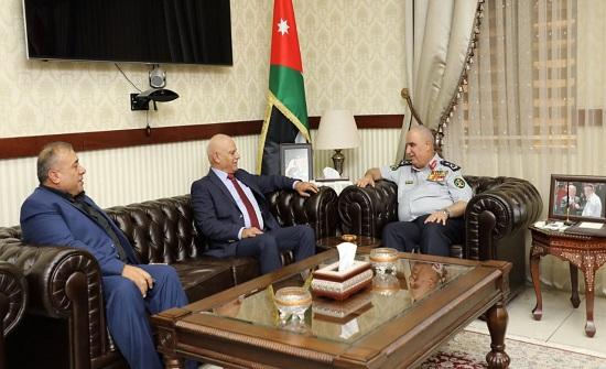 مدير عام الدفاع المدني يلتقي نظيره الفلسطيني