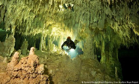 اكتشاف أكبر مغارة غارقة في العالم بالمكسيك
