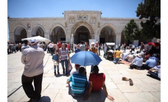تل أبيـب تشدد من إجراءاتها في الجمعة الثالثة من رمضان