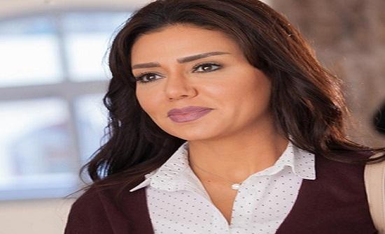 انتهاء أزمة الفستان الذي شغل الرأي العام بمصر