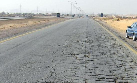 العموش يوضح سبب تأجيل اضافة المسرب الثالث على الطريق الصحراوي