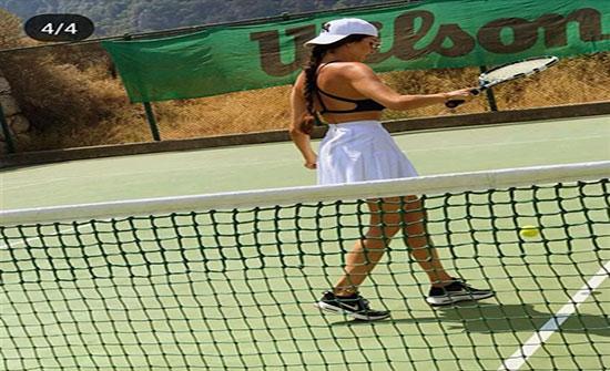 شاهد ..لاميتا فرنجية تبدع في مباراة تنس