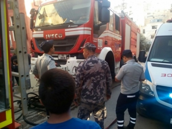 4 اصابات اثر حريق شقة في اربد