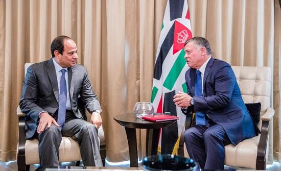 الملك والرئيس المصري يتفقان على مواصلة العمل لتعزيز التعاون الاقتصادي