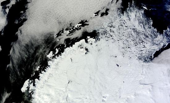 ظهور حفرة في القارة القطبية الجنوبية بحجم الأردن