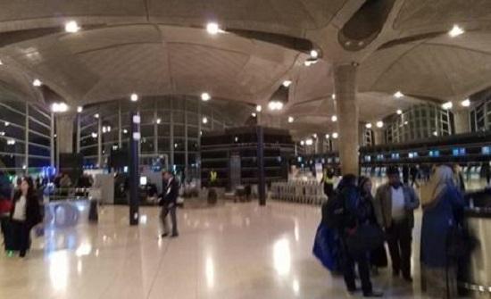 """""""المطار"""" تقلل من مشهد """"اكتظاظ"""" المسافرين : أمر طبيعي"""