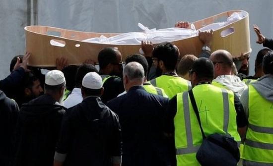 وفاة والدة شهيد اردني بعد ساعات من تشييعه في نيوزيلندا