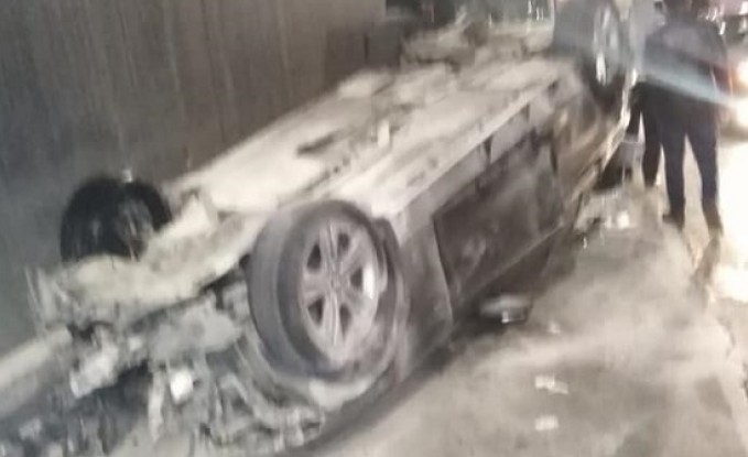 بالصور : 7 اصابات في اصطدام 5 مركبات في عمان