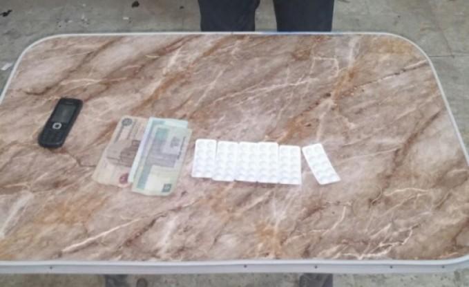 """مصر : القبض على تاجر مخدرات اردني معه """" دينارين """" محصلة البيع"""