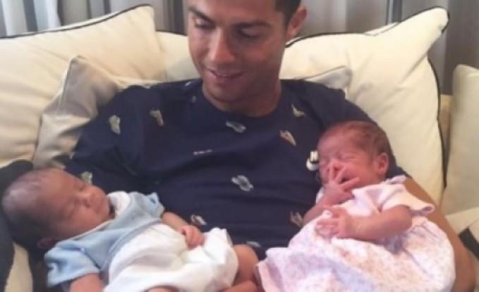رونالدو يحلم بإنجاب 7 أطفال