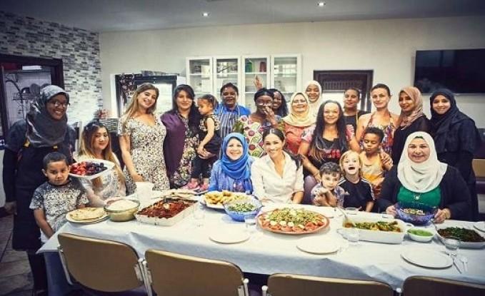 بالفيديو والصور : ميغان ماركل تدعم مشروعا خيريا في مركز إسلامي