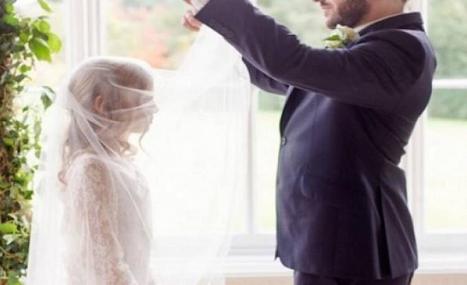زوجة مصريّة تبيع ابنتها لثري عربي وتحاول تزويجها له عرفياً ..!