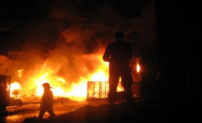 إخماد حريق بمصنع دهانات في المقابلين