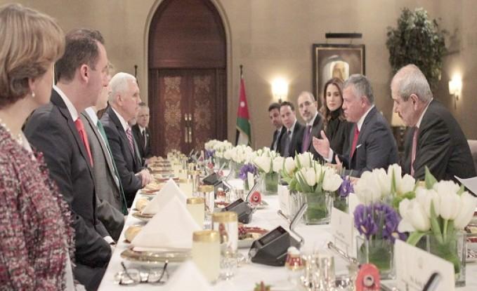 الملك : القدس مفتاح السلام في المنطقة - تفاصيل اجتماعه مع بنس