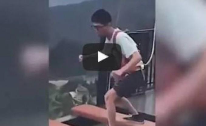 بالفيديو: رجل وامرأة في تحد خطير.. والنتيجة صادمة