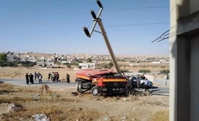 بالصور : اصابة 3 افراد من مرتبات الدفاع المدني بحادث سير في المفرق