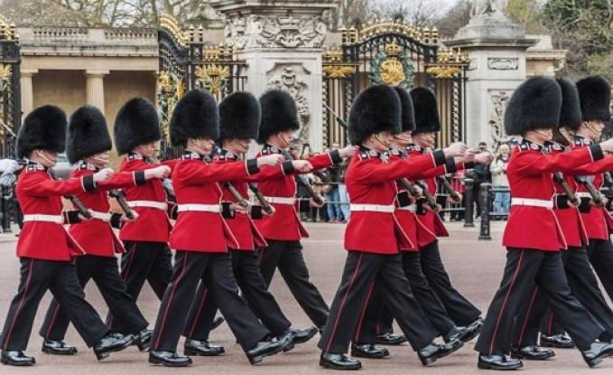 فضيحة مدوية في القصر الملكي البريطاني: ممنوعات ومخدرات