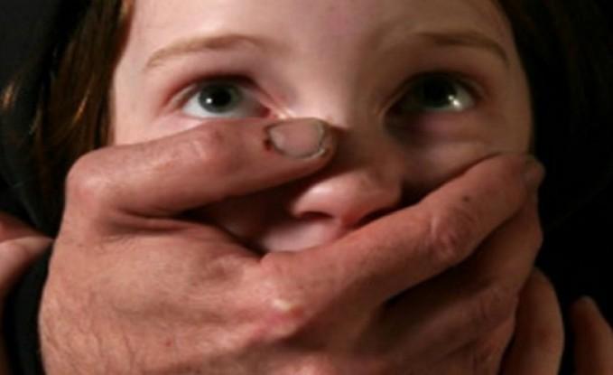 """القصة الكاملة لـ""""قاصر السويس"""".. أنجبت طفلا من شقيقها والأم تفجر مفاجأة"""