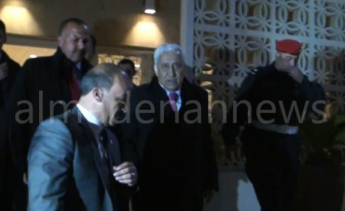 بالفيديو : النسور يخرج من اجتماع مغلق مع النواب