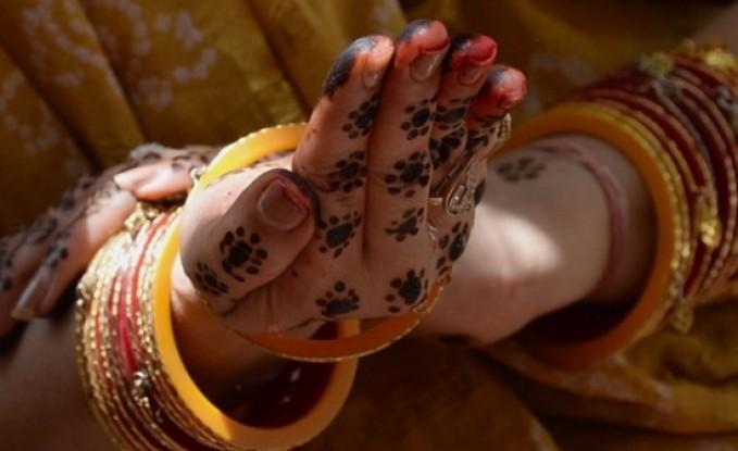 """""""الحنّاء"""" تقتل عروسا ليلة زفافها في ليبيا"""