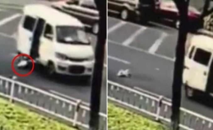 شاهد: لحظة سقوط رضيع من شاحنة على الطريق دون إدراك والديه
