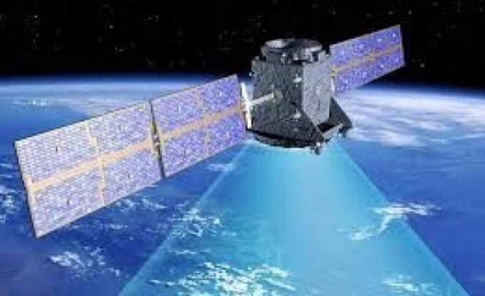 قمر اصطناعي بريطاني لتنظيف الفضاء من النفايات