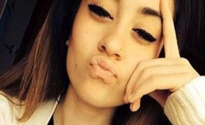 صورة  هذه المراهقة هاجمت شاباً بمادة حارقة وسرقته بلندن!
