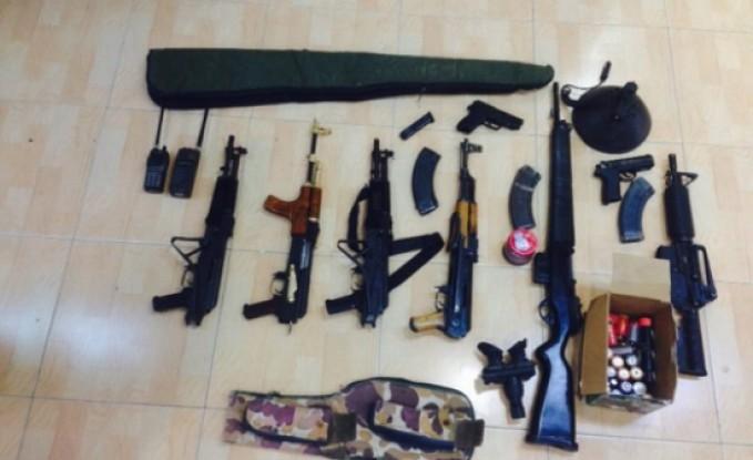 البادية الوسطى : ضبط كميات من الاسلحة والمخدرات بحوزة 5 مطلوبين