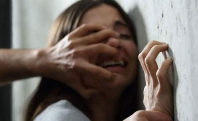 شابة تتعرّض لاعتداء جماعي داخل مصعد... بحضور خطيبها!