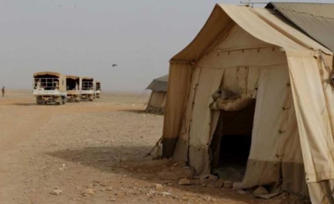 اصابة العشرات بعاصفة رملية اجتاحت مخيم الركبان- تفاصيل