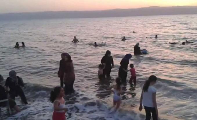 وفاة طفل غرقاً وإصابة أخر في البحر الميت