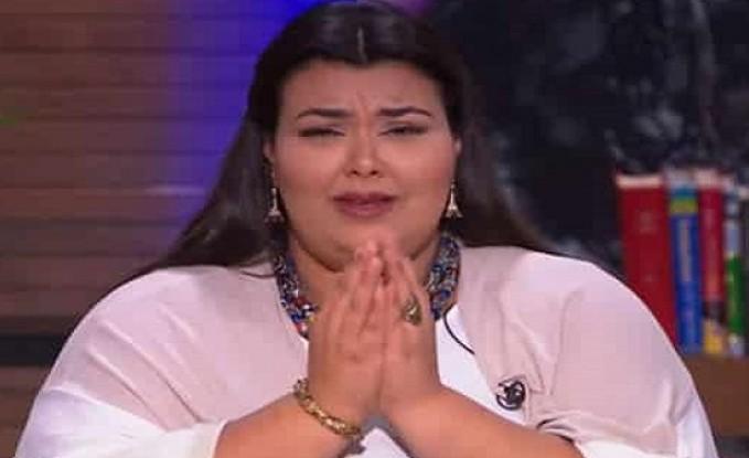 """بسبب وصفها بـ """"البقرة"""".. مذيعة مصرية تنفعل على الهواء وترد على الانتقادات التي تتعرض لها"""