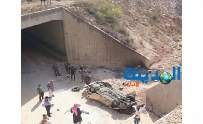 صور | وفاة ثلاثيني بتدهور مركبة في اربد