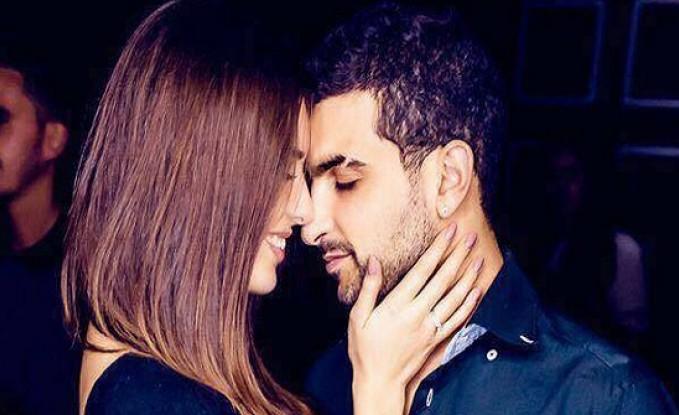لبناني يعرض الزواج على حبيبته في حلبة فنون قتالية