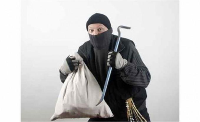 سرقة 1400 دولار من محل صرافة في مرج الحمام