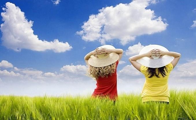 الجمعة :أجواء صيفية اعتيادية مع نشاط في الرياح